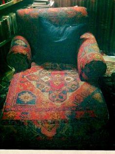 Maxminimus: The Kilim chair