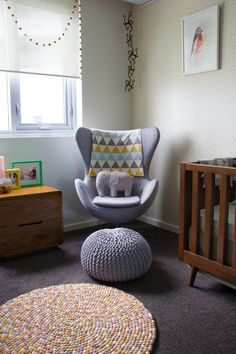 'Love Mae' Confetti wallpaper used on an accent wall in this lovely boy's nursery. Inspiration Design, Nursery Inspiration, Nursery Armchair, Nursery Furniture, Awesome Bedrooms, Design Moderne, Dining Table Chairs, Nursery Design, Baby Boy Nurseries