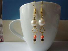 Pearl and gold simple elegant dangling earrings
