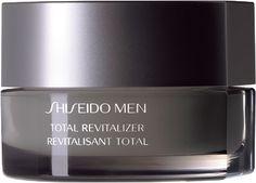 Le contraste entre l'exterieur, très froid, et les endroits surchauffés, aggresse le visage, laissant apparaître des rougeurs. Pour lutter contre la sécheresse cutanée, il faut hy-dra-ter! Utilisez la crème revitalisante Shiseido.   http://www.mencorner.com/p-revitalisant-total-peau-equilibree-shiseido-men-13476-25.html