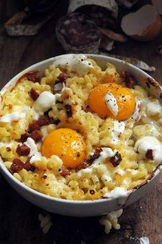 Dorian cuisine.com Mais pourquoi est-ce que je vous raconte ça... : Le dimanche c'est coquillettes et visite dans le bistrot de Grégory Cuilleron, son premier livre…