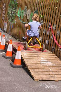 50 Modern Backyard Playground Ideas For Kids - Nature based Preschool - Garden Pallet Playground, Preschool Playground, Preschool Garden, Natural Playground, Backyard Playground, Playground Ideas, Toddler Playground, Backyard Toys, Eyfs Outdoor Area