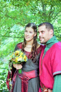 Mode fuer Mittelalterkleid Maßanfertigung Gewandschneider Brautkleid Hochzeitskleid Mittelalter Gewand Brautgewand Tunika Walkloden Ao Dai Kleid Wellness Mode