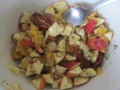 Jablka s pomerančem, sušenými rajčaty, česnekem, olivovým olejem, mandlemi, trochou máku a náloží chilli :D Chicken, Meat, Food, Essen, Meals, Yemek, Eten, Cubs