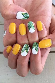 Nails manicura verano Summer Nail Art Is the Best Way to Celebrate the Warm Weather Summer Nail Art Is the Best Way to Celebrate the Warm Weather Yellow Nails Design, Yellow Nail Art, Green Nails, Tropical Nail Designs, Nail Designs Spring, Tropical Design, Trendy Nail Art, Cool Nail Art, Acrylic Nail Designs