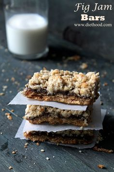 Fig Jam Bars | www.diethood.com | Nuts, oats, and shredded coconut granola crust, filled with a delicious fig jam. | #recipe #granola #bars #cookies