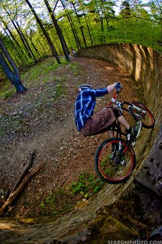 Come And Visit Us For Great Deals On Mountain Biking Gear -  http://WhatIsTheBestMountainBike.com