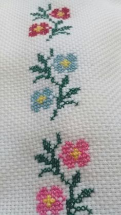 No photo description available. Cross Stitch Bookmarks, Cute Cross Stitch, Cross Stitch Borders, Cross Stitch Flowers, Cross Stitch Designs, Cross Stitching, Cross Stitch Embroidery, Embroidery Patterns, Hand Embroidery