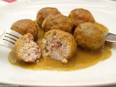 Hoy, para comer, tenemos estas riquísimas albóndigas de pollo, ¿qué os parecen?. Son unas de mis favoritas porque me gusta mucho el pollo, pero sobre todo, las salsas que llevan mostaza. Me encanta co