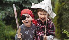 This is SO my boys!Let the Children Play, It's Good for Them! A leading researcher in the field of cognitive development says when children pretend, they're not just being silly—they're doing science By Alison Gopnik Smithsonian magazine Play Based Learning, Kids Learning, Pirate Eye Patches, Scrapbooking, Foam Crafts, Craft Foam, Dramatic Play, Pirate Party, Pirate Theme