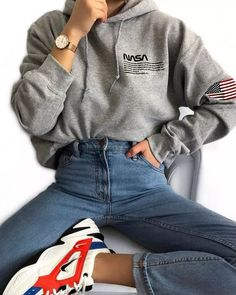hoodie outfit Lssig be - hoodie Teenage Outfits, Girly Outfits, Mode Outfits, Outfits For Teens, Trendy Outfits, Winter Outfits, Church Outfits, Fashionable Outfits, Teen Fashion