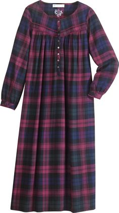 Eileen West Flannel Nightgown in Regal Plaid.going to make a flannel nightgown Linen Dresses, Modest Dresses, Modest Outfits, Maternity Dresses, Abaya Fashion, Muslim Fashion, Modest Fashion, Fashion Dresses, Mode Abaya