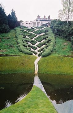 The Garden of Cosmic Speculation, located at Portrack House near Dumfries.~ (Kuriositas)