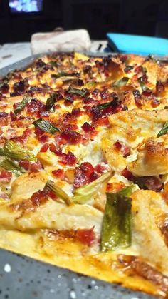 Parmezános, krumplis csirkemell, első kóstolásra tudtam, hogy ez az új kedvenc! - Ketkes.com Hawaiian Pizza, Light Recipes, Vegetable Pizza, Poultry, Food And Drink, Vegetables, Eat, Gastronomia, Skinny Recipes