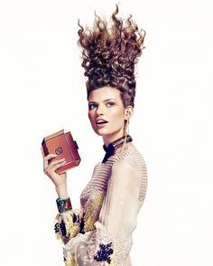 Bette-Franke Editorial Hair, Editorial Fashion, Fashion Photography Inspiration, Hair Inspiration, Bette Franke, Fashion Words, Brunette Models, Playing With Hair, Hair Shows