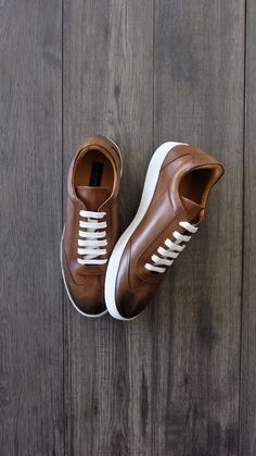Tristan Cognac Leather Sneaker is part of braids - Gordon Rush Leather Sneaker, made from premium leather upper, breathable calf skin lining, XL Extralight outsole, handcrafted in Italy Shop for them online Tenis Casual, Casual Sneakers, Leather Sneakers, Leather Men, Casual Shoes, Casual Clothes, Moda Sneakers, Sneakers Mode, Shoes Sneakers