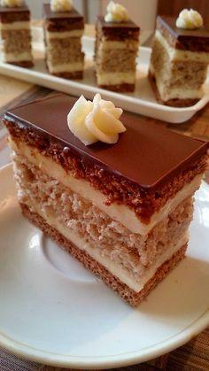 Hungarian Recipes, Izu, Tiramisu, Ethnic Recipes, Food, Essen, Meals, Tiramisu Cake, Yemek