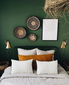 home decor bedroom Bedroom Green, Bedroom Colors, Home Decor Bedroom, My New Room, Sweet Home, Interior Design, Genre, Office Paint, Euro Shams