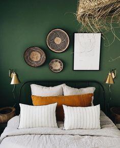 home decor bedroom Bedroom Apartment, Home Bedroom, Bedroom Decor, Bedroom Color Schemes, Bedroom Colors, Ideas Dormitorios, Bedroom Green, My New Room, Home Decor Inspiration