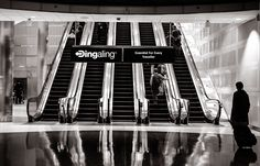 A beautiful free photo of airport escalator and transportation travel. This image is free for both personal and commercial use. Plateforme Collaborative, Photos Free, Hd Photos, Free Pictures, Version Francaise, Paris Arrondissement, High Resolution Picture, Le Web, Business Travel