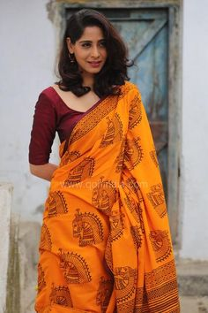 Turmeric Yellow Kala Ghoda Hand Block Printed Mul Cotton Saree Love the colour combination Cotton Saree Designs, Saree Blouse Designs, Indian Dresses, Indian Outfits, Indian Clothes, Indian Attire, Indian Wear, Indian Look, Indian Ethnic