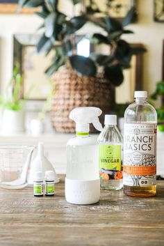 This homemade all purpose cleaner checks all of the boxes: it's simple, easy to make, and completely effective. Homemade All Purpose Cleaner, Cleaners Homemade, Tea Tree Essential Oil, Lemon Essential Oils, Fed And Fit, Diy Cleaning Products, Cleaning Tips, Cleaning Supplies, Natural Cleaners