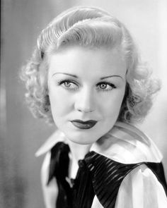Ginger Rogers in the Movie 'The Story of Vernon and Irene Castle' Portrait Photo Vintage Hollywood, Classic Hollywood, A Fine Romance, Fred And Ginger, Ginger Rogers, Fred Astaire, Actrices Hollywood, She Movie, Por Tv