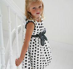 Vestidos para niñas, modelos extraordinarios para ellas