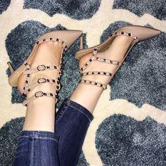 cf141d2dfc8 Valentino Rockstud Nude Patent Leather Kitten Heel Stud Caged Pump Size 10  (40)