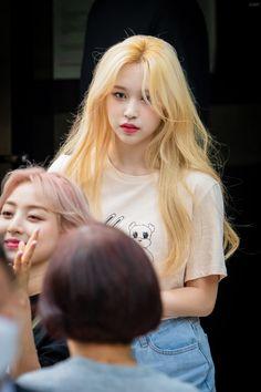 Nayeon, Kpop Girl Groups, Korean Girl Groups, Kpop Girls, Extended Play, K Pop, Sana Momo, Jihyo Twice, Twice Kpop