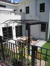 Backyard Pergola And Fire Pit - Patio Pergola Lighting - - Pergola De Hierro Antiguas - Pergola De Madera Flores Diy Pergola, Building A Pergola, Pergola Swing, Pergola Shade, Pergola Ideas, Pallet Pergola, Retractable Pergola, Building Plans, Garage Pergola