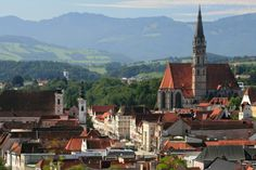 View over the Old Town with city hall and parish church Steyr, North Tower, Carinthia, Two Rivers, Amazing Buildings, Ways To Travel, Place Of Worship, Romanesque, Old Town