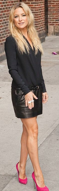 Who made  Kate Hudsons pink suede pumps, black wrap sweater, and black leather mini skirt that she wore in New York?