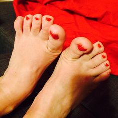 Wiggling my hobbit toes after a cross fit training - priceless! Cross Training Workouts, 100 Happy Days, The Hobbit, Fit, Shape, Hobbit