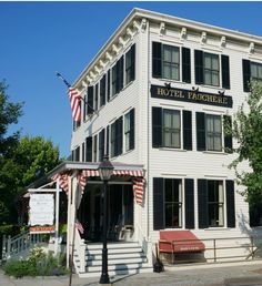 Hotel Fauchere >> Excellent Pet Friendly Hotel in the Poconos. The beds look amazing...