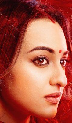 Sona😍😍😍 Sonakshi Sinha Saree, Parineeti Chopra, Most Beautiful Faces, Most Beautiful Indian Actress, Bollywood Wallpaper, Indian Face, Angry Face, Cute Girl Wallpaper, Portrait Photography Poses