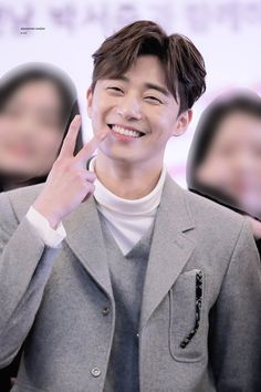 i love your smile,always makes me feel good✌🏻 cr:logo Asian Actors, Korean Actors, Korean Actresses, Idol 3, K Park, Park Seo Joon, Asian Men Hairstyle, Kdrama Actors, Korean Celebrities