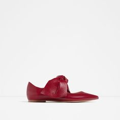 Image 1 of FLAT LEATHER SHOES WITH BOW from Zara