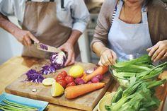 Quais alimentos têm na sua cozinha? Fazer a sua própria comida é uma forma de se conhecer melhor e aprimorar a sua saúde. #eusemfronteiras #nutrição #receitas