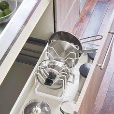 Under Kitchen Sink Organization, Pot Lid Organization, Lid Organizer, Diy Kitchen Storage, Diy Kitchen Decor, Home Organization Hacks, Organizing, Kitchen Cabinet Drawers, Kitchen Cabinets Under Sink