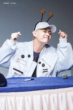 Kim Taehyung, Jimin Jungkook, Fansign Bts, Bts Wings, Korean People, Most Handsome Men, Flower Boys, Big Love, Korean Boy Bands
