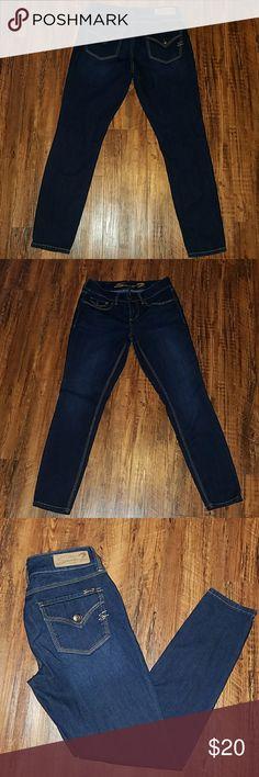 SEVEN7 JEAN LEGGINGS  (6) GREAT PAIR OF LEGGINGS INSEAM 29' Seven7 Jeans Skinny