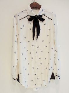White Lapel Long Sleeve Bow Bee Print Blouse - Sheinside.com