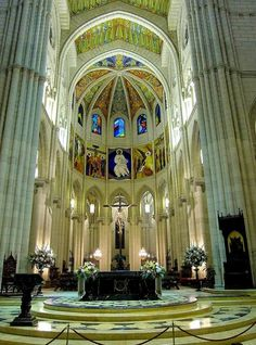 Cathedral of Santa Maria de la Almudena ~ Madrid, Spain Best Hotels In Madrid, Madrid Travel, Foto Madrid, Sacred Architecture, Cathedral Church, Place Of Worship, Spain Travel, Trip Planning, Beautiful Places