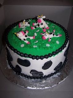 cow cake - This was Abby's one of a kind First Birthday cake. ♥♥♥ Stumbled upon whilst scrolling through pinterest. @Amanda Snelson Hebert Thank You!
