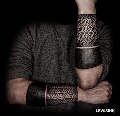tattoo designs untrael geometric pop out of the skin ile ilgili görsel sonucu