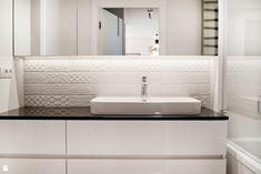Elegancka i klasyczna łazienka od - zdjęcie od Base Architekci - Łazienka - Styl Klasyczny - Base Architekci Double Vanity, Bathroom, House, Inspiration, Design, Home Decor, Washroom, Biblical Inspiration, Decoration Home