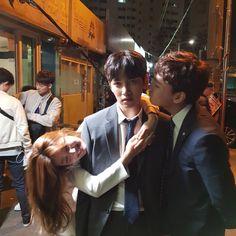 "Nam Ji Hyun, Ji Chang Wook y Choi Tae Joon en el set de ""Suspicious Partner"""