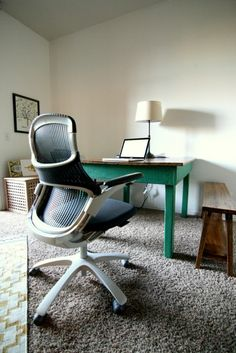Generation by Knoll, the new standard for comfort. Perfect for the #home #office. #homeoffice