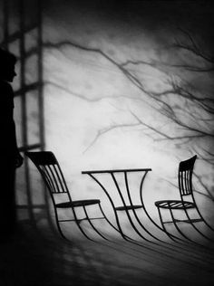Susan Kae Grant /via A Lifetime Photography The Old Astronomer, Poesia Visual, Hidden Objects, Shadow Art, Cute Photography, Light And Shadow, Optical Illusions, Pretty Pictures, Black And White Photography